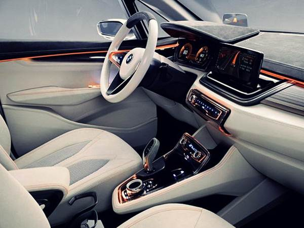 BMW-Active-Tourer-Concept-inside