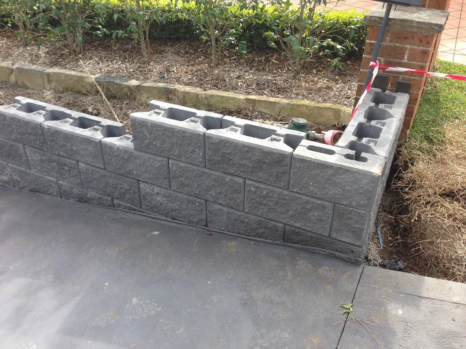 Finishing of retaining walls