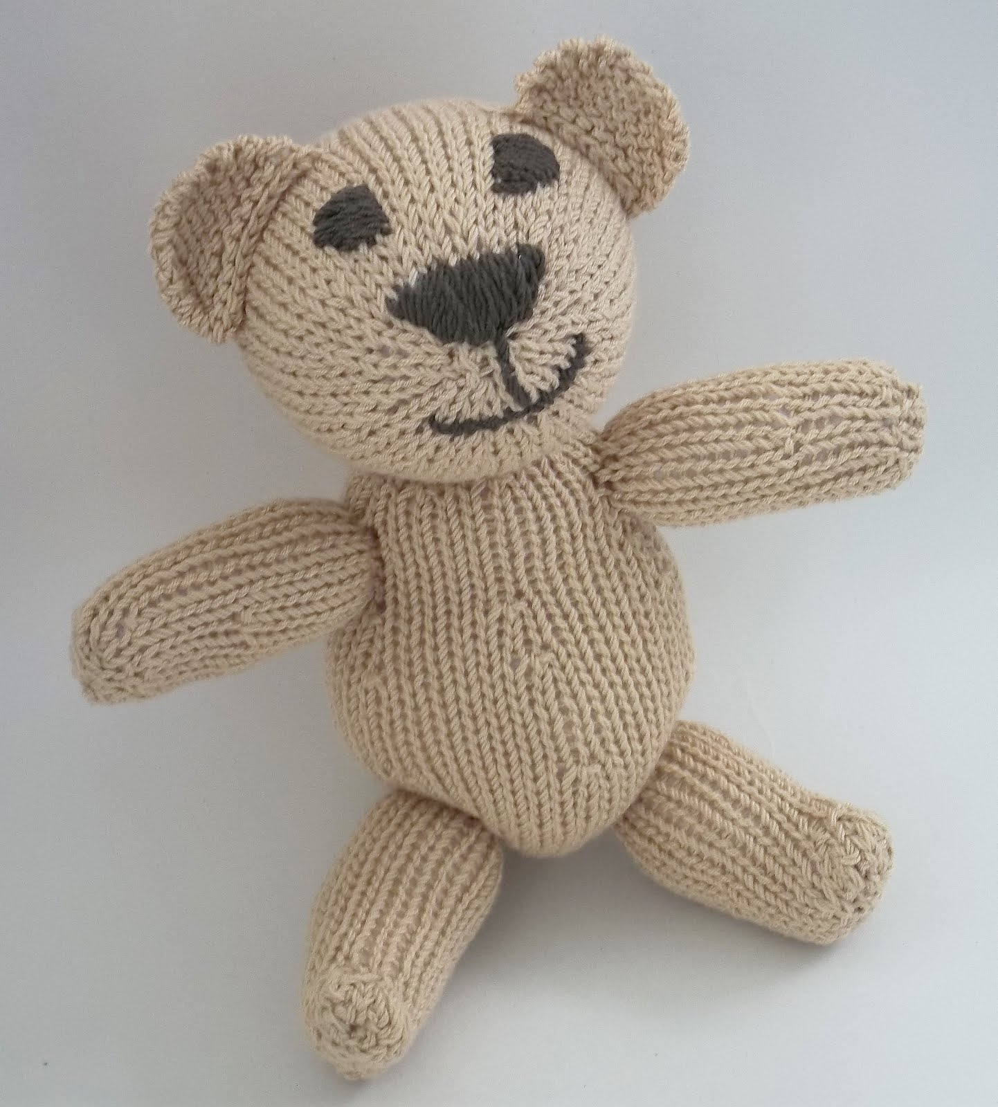 Knitted Teddy Bear Pattern Free : Teddy Bear. Hand Knitting Pattern