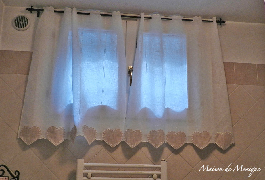 La maison de monique la tenda nuova - Tende classiche per bagno ...