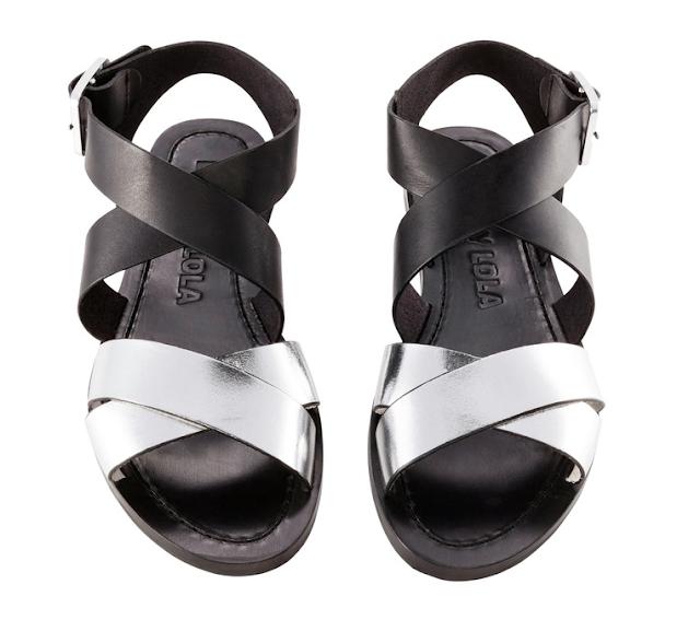Rebajas SS 2015 complementos sandalias planas negras y plateadas