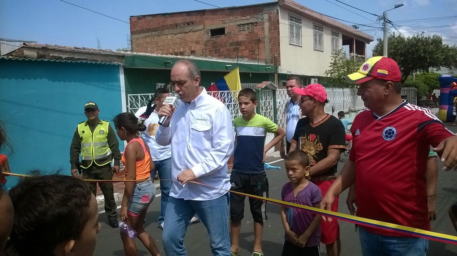 [Fotos-audio-video] Alcalde Donamaris inaugura pavimentación y señalización en calle 0 como 'la calle de la pasión' en Chapinero de Cúcuta #FronteraNOTICIAS