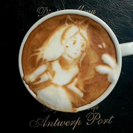 ابداعات وفنون الرسم على القهوة
