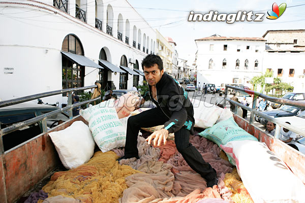 Surya's Ayan Movie 11