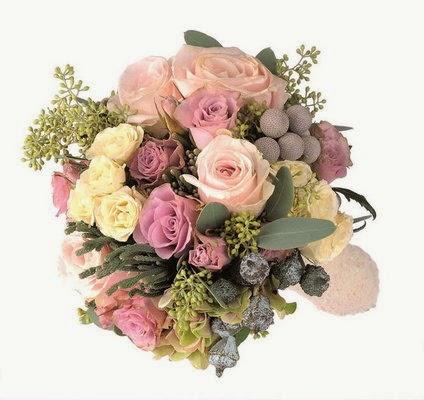 粉紅色玫瑰花拼雪豆、尤加利花球