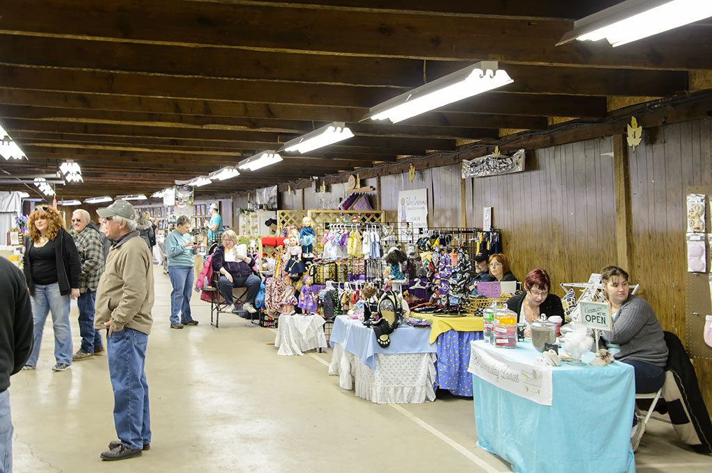 Craft vendors at the PA Maple Festival