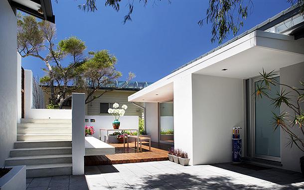 Casas minimalistas y modernas nuevos patios modernos for Jardines patios casas