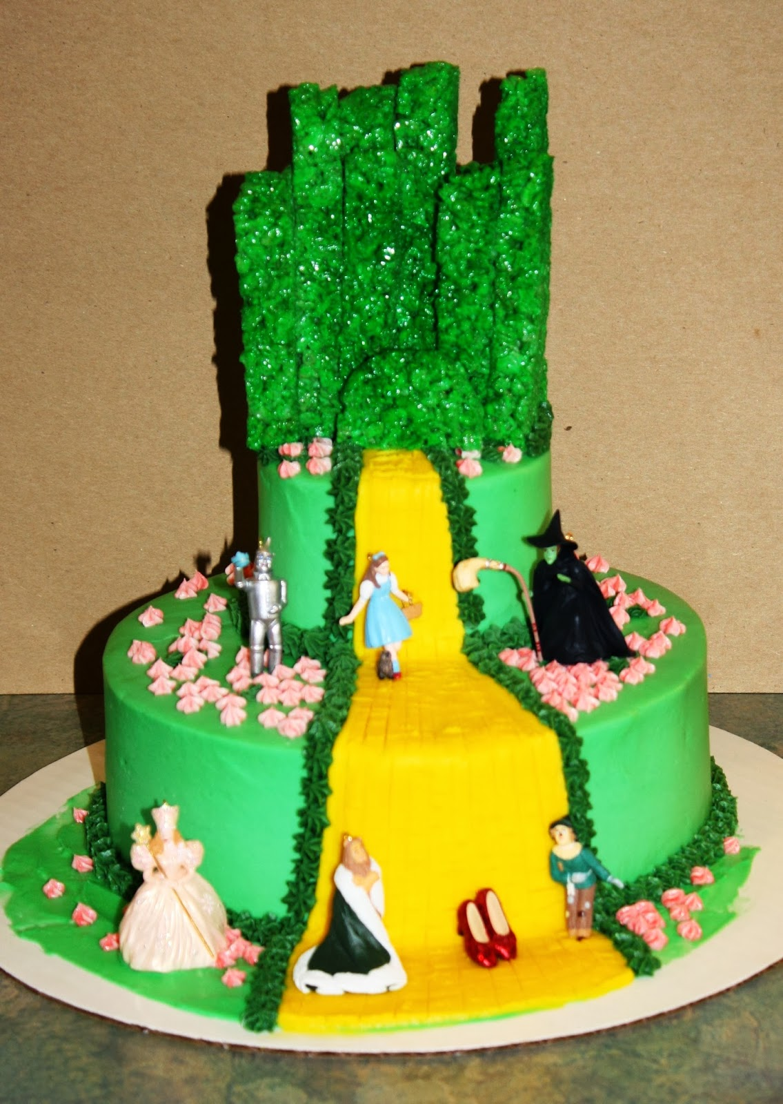 Cake Decorations For Wizard Of Oz : Party Cakes: Wizard of Oz Cake