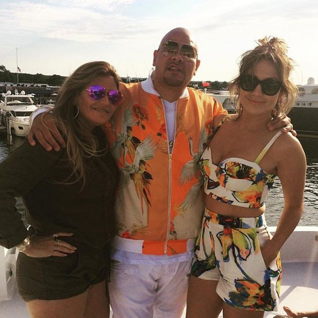 Jennifer Lopez celebrates birthday in boat trip