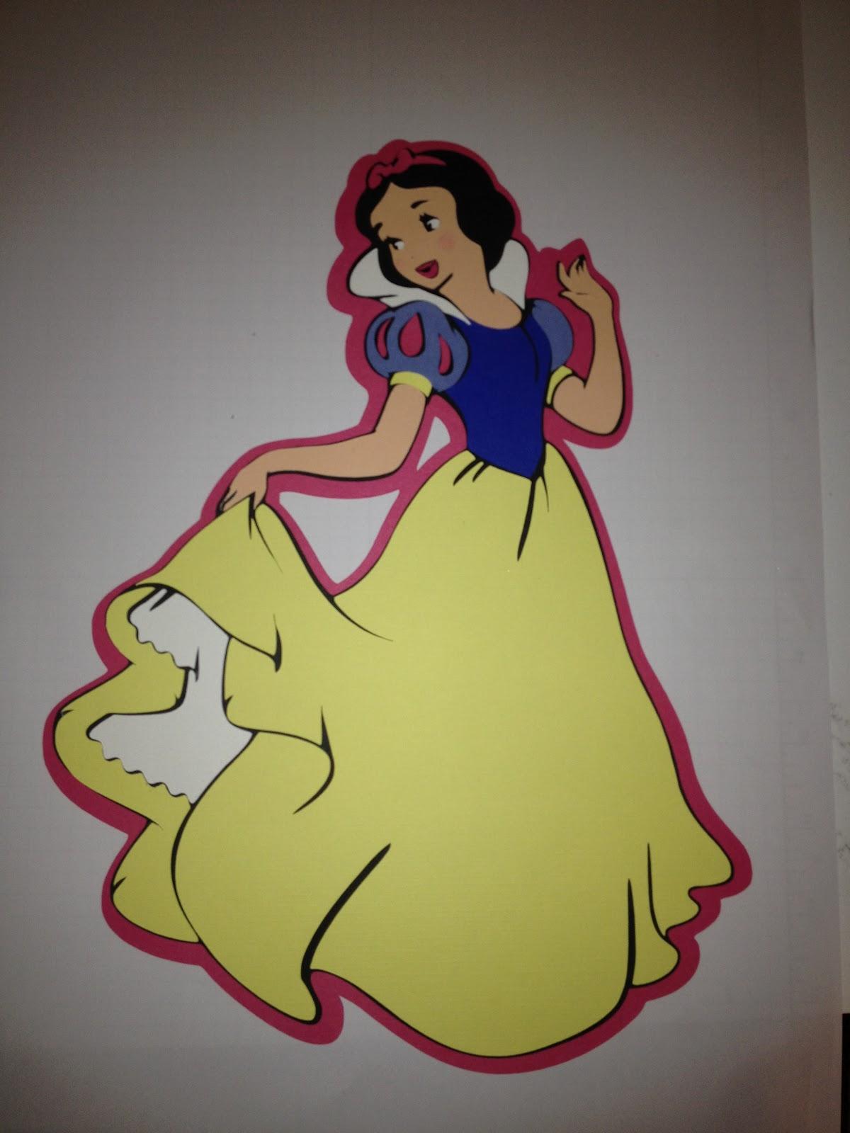 Crafts with Roxy: Disney Cricut Princess Decorations