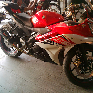 YZF R15 with Prospeed muffler