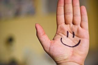 Mari Tersenyum