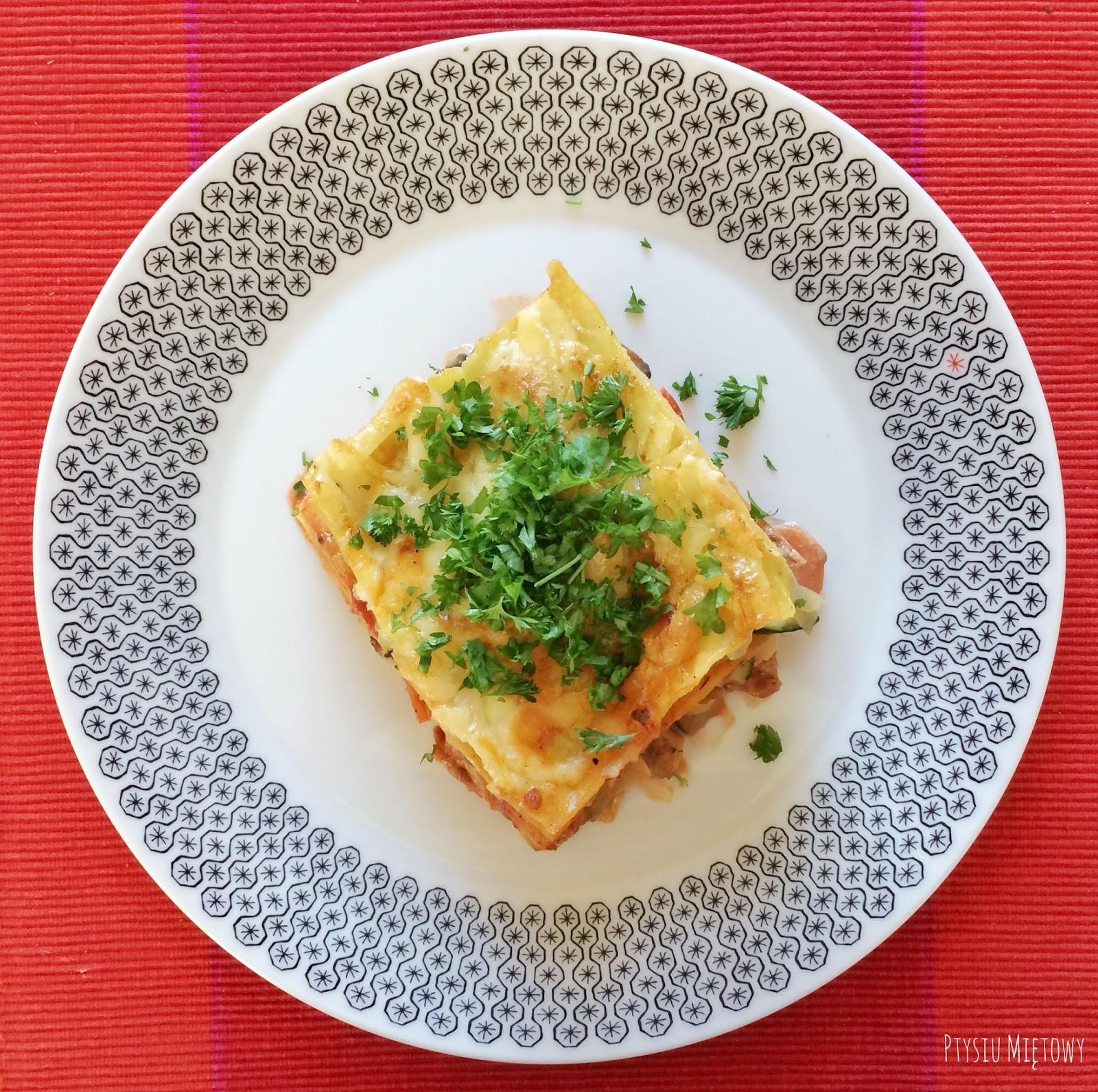 lasagne warzywno-miesna, ptysiu mietowy