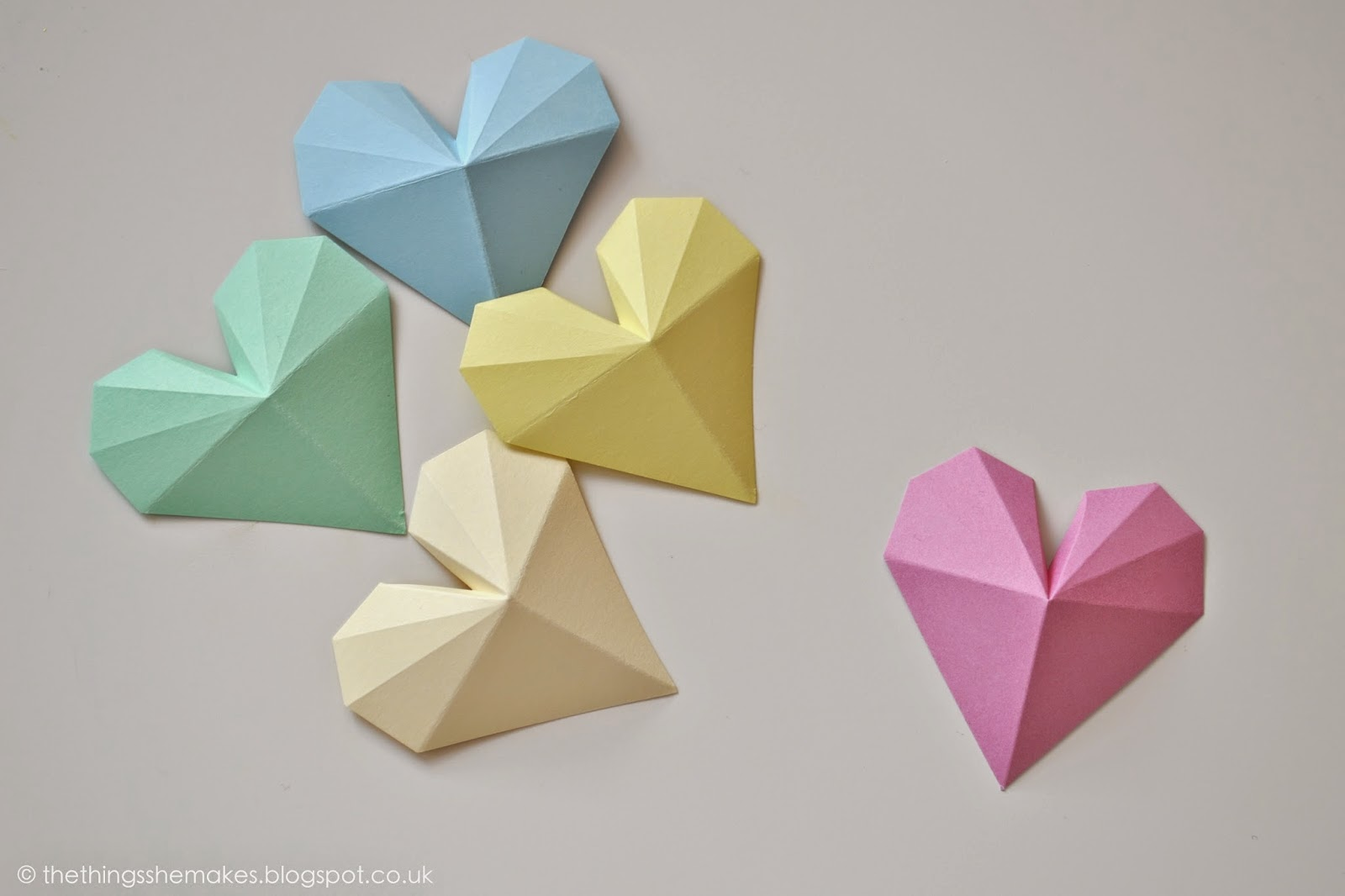 How to make 3d geometric paper hearts the things she makes for Things to make with paper