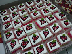 Strawbery Slice Cakes