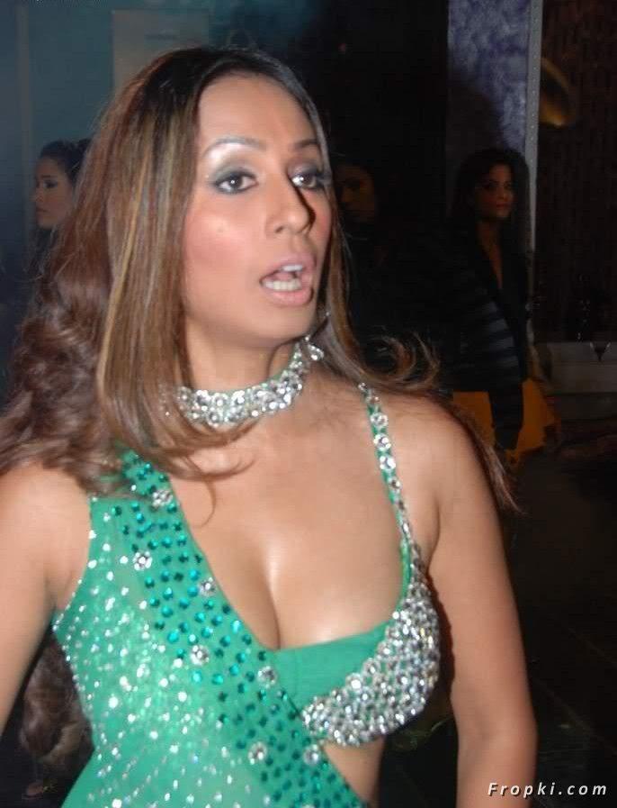 Hot+Kashmira+Shah+Wearing+Diamond+Necklace+%25282%2529 09 Apr 2011 01:28 9.4K iphone sexy sex hot ..> 09 Apr 2011 01:28 22K ...