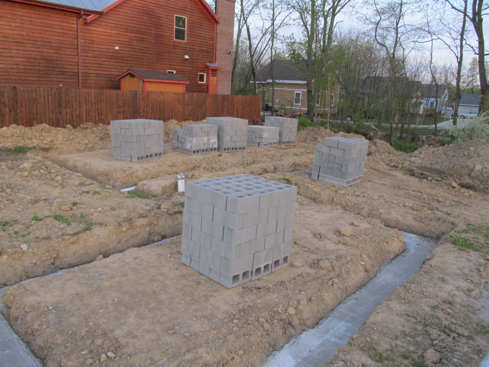 Thistle Creek House Laying The Block Foundation Wall