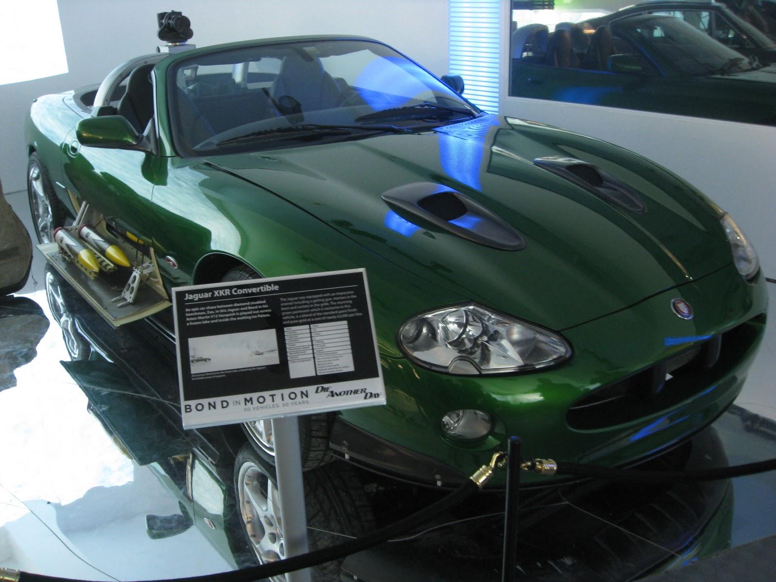 http://2.bp.blogspot.com/-heuzJDqOUEY/Tym5-ycPnnI/AAAAAAAAAUg/-xVzdHpuAz0/s1600/Jaguar+XKR.JPG