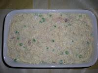 Рыбная запеканка с зеленым горошком и вялеными помидорами