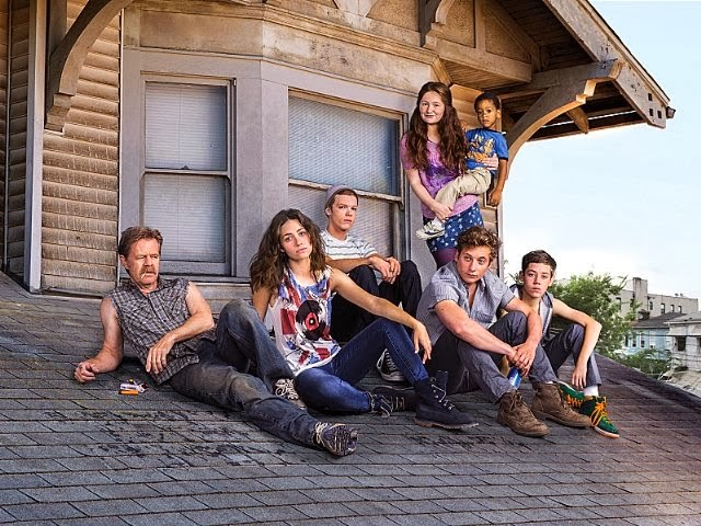 Los protagonistas de Shameless en el tejado de su casa