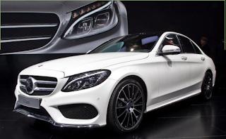 Die Mercedes A-Klasse sieht gut von innen und außen