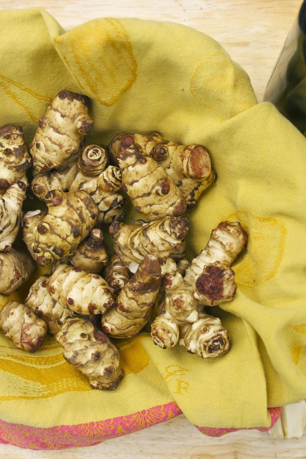 Roasted Jerusalem Artichokes with Garlic & Potatoes- simplelivingeating.com