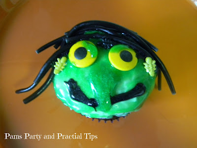 How to make a witch cupcake