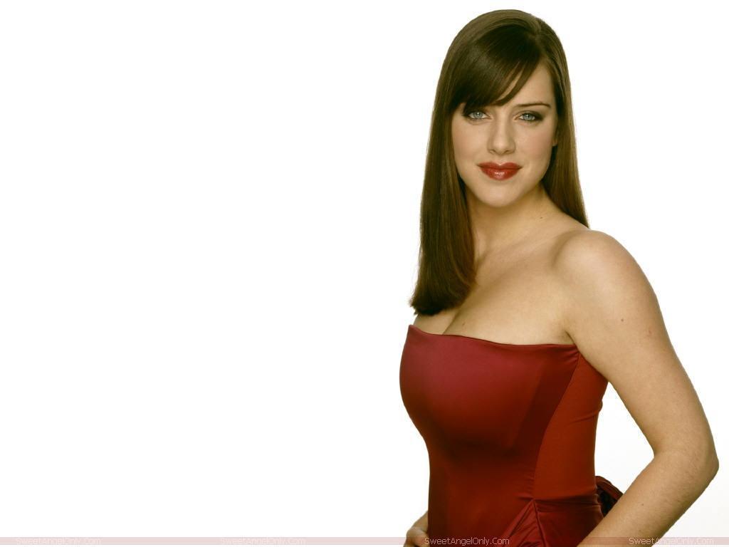 http://2.bp.blogspot.com/-hfSsqhB5Gmk/TZYunuBTZQI/AAAAAAAAFTc/Q_9Opzu-k9I/s1600/michelle_ryan_hot_wallpaper_in_red.jpg