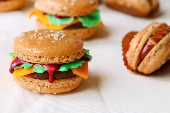 French Macarons de Hamburguesas y Hot Dogs