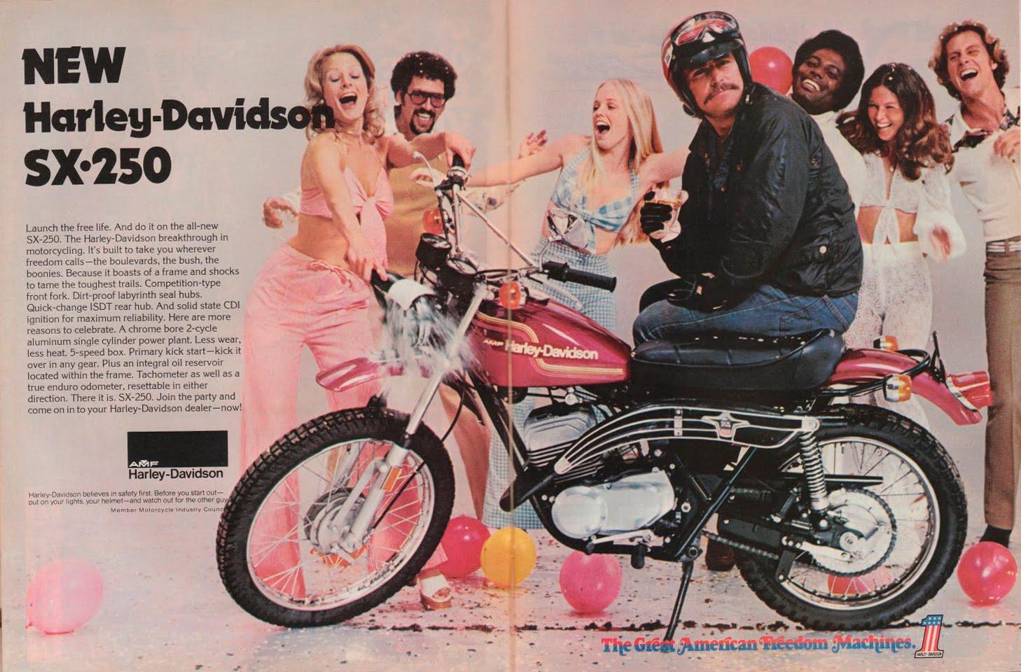 AFFICHES ANCIENNES ET PUBS H.D. - Page 6 Harley-Davidson_Aermacchi-SX250_1973_SIDEBURN