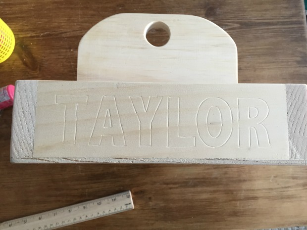 personalize on wood without stencil