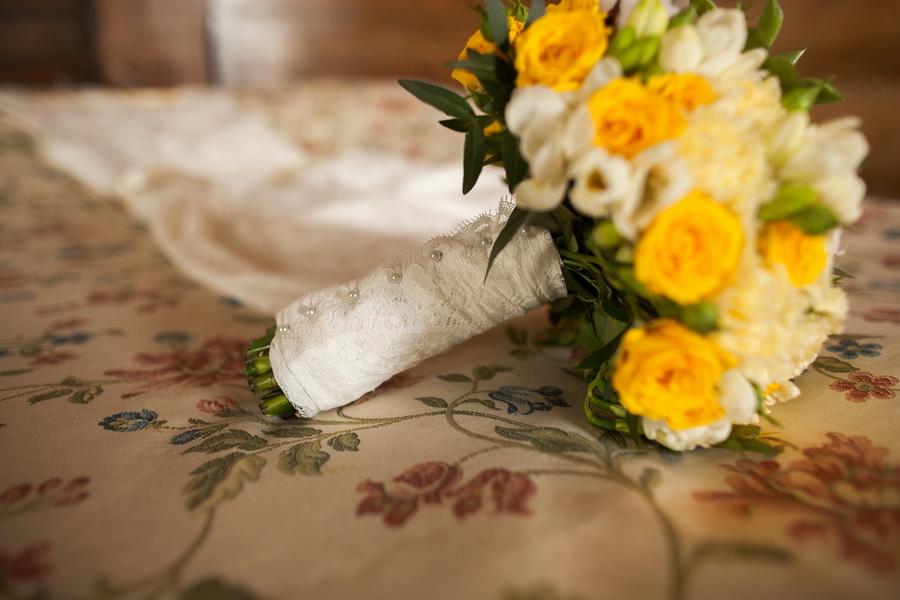 Букет невесты - суккуленты и хлопок
