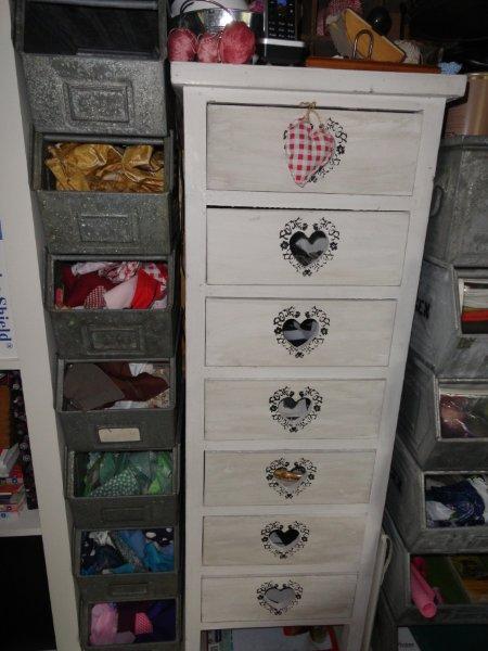 von herz und hand helfer in der werkstatt. Black Bedroom Furniture Sets. Home Design Ideas