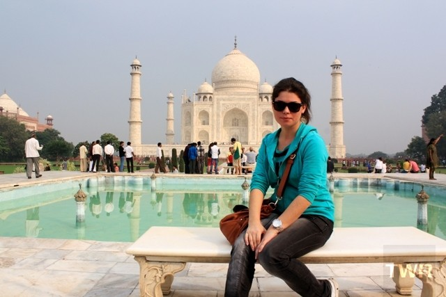 the world reporter at the taj mahal