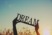 Soñemos muy fuerte.