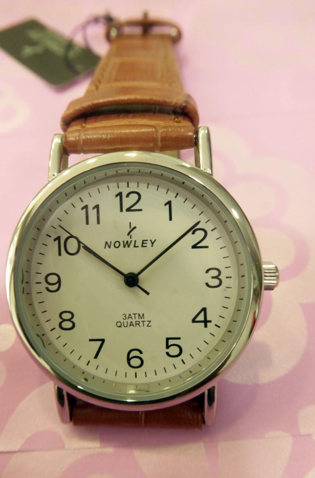 Reloj clásico, sumergible, números grandes, correa cuero
