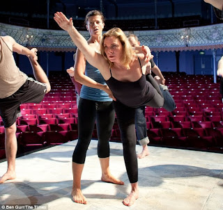 Kim Cattrall Claims 'Fizzy Yoga' Saved Her Life