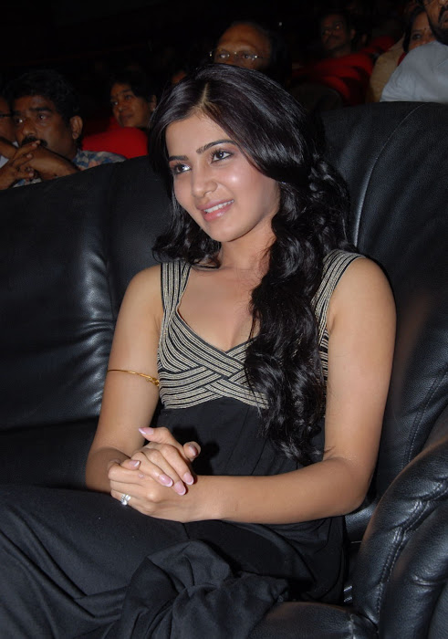 samantha at bus stop audio launch hot photoshoot