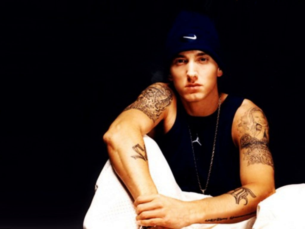 http://2.bp.blogspot.com/-hh2KYHPIIe4/TrQFnrfHHqI/AAAAAAAAEWA/12NfOecRSMA/s1600/Eminem+8.jpg