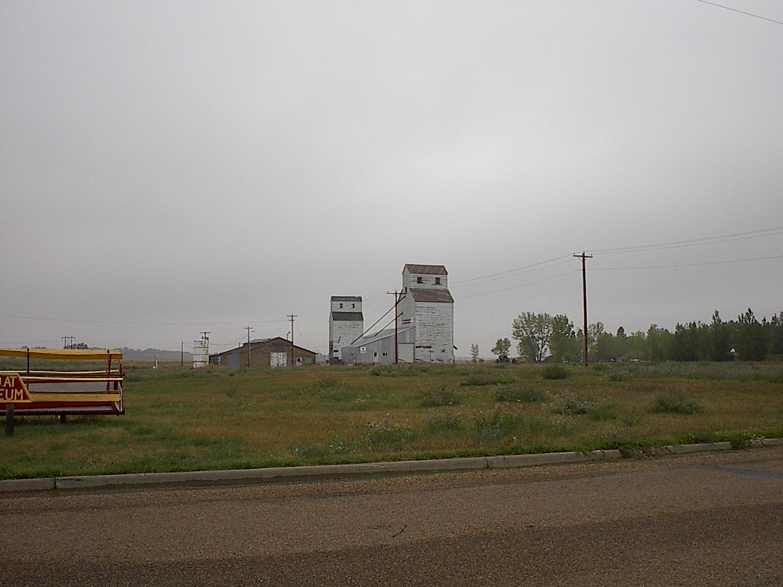 dunn center Dunn center, nd has a population of 217 people with a median age of 372 and a median household income of $61,250 between 2015 and 2016 the population of dunn center, nd declined from 235.
