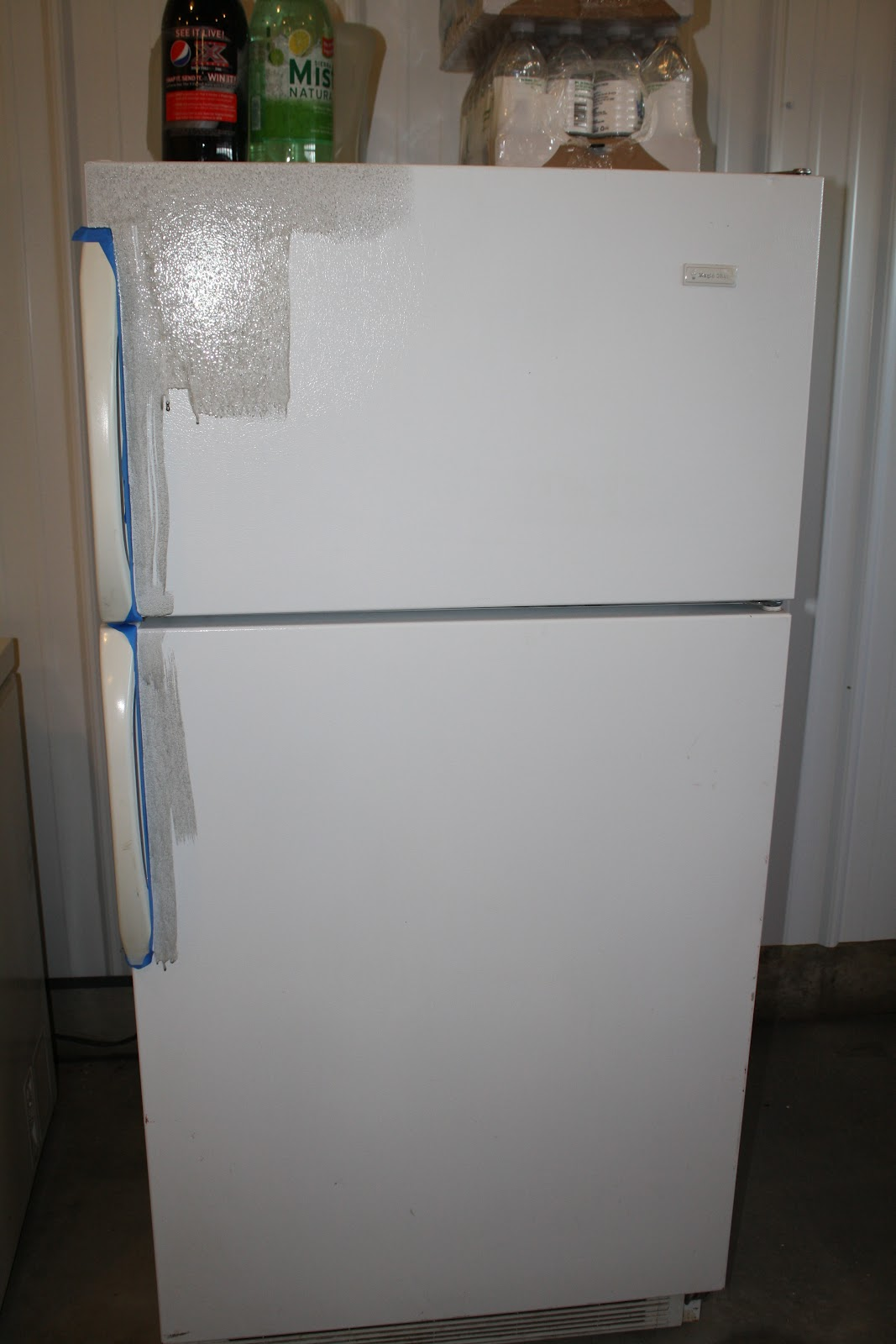 the prodigy mommas refrigerator makeover using chalkboard paint. Black Bedroom Furniture Sets. Home Design Ideas