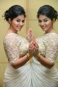Anjali Glamorous Photos in saree at Geethanjali event-thumbnail-9