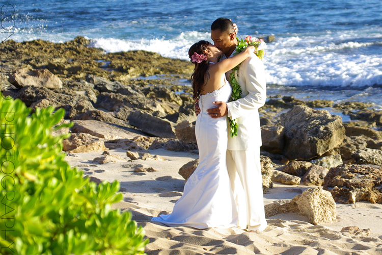 What To Wear For A Wedding In Hawaii