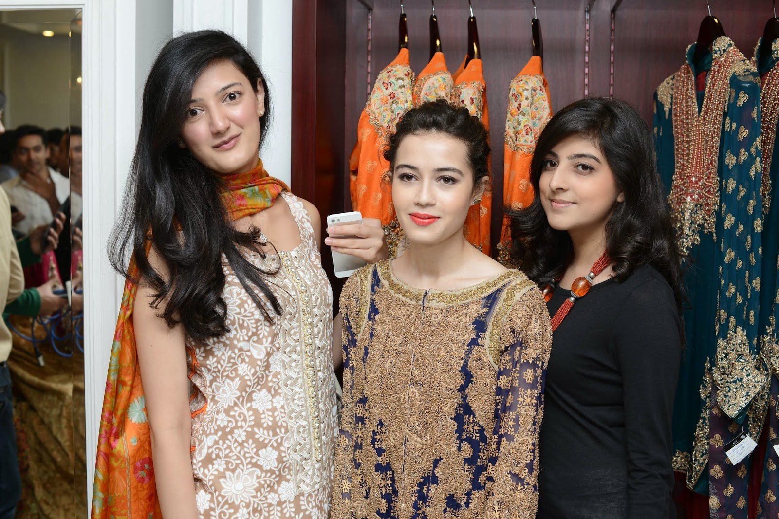 Alina, Haiyah in HSY looking