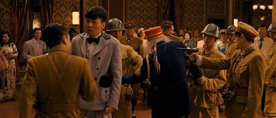 Hình ảnh trong Phim Băng Cướp Bông Hồng Súng - Guns And Roses 2012 [Vietsub] Online
