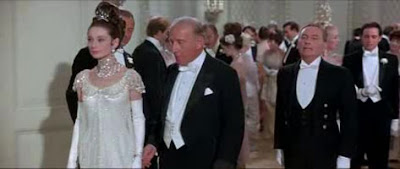 My_Fair_lady_1964_Audrey_Hepburn_On_Embassy_Ball_scene