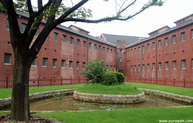 Exterior de la prisión Seodamun donde los japoneses encerraban a los coreanos