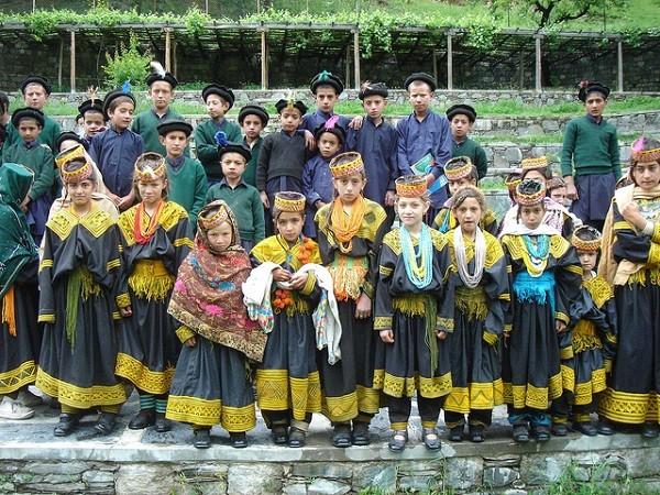 bộ tộc người đẹp như Tây ở châu Á 3