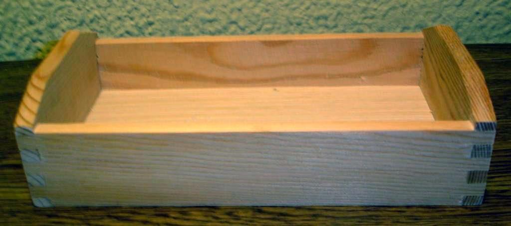 Bandeja de madera con craquelado y decoupage enganchada - Craquelado de madera ...