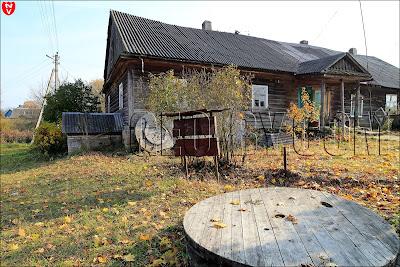 Поморщина. Усадьба Пролесковских: дом управляющего и наемных рабочих